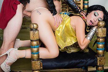 Горячий секс с персидской красоткой азиаткой