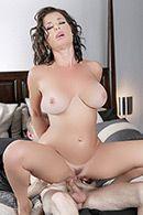 Жаркое порно с грудастой зрелой брюнеткой #3