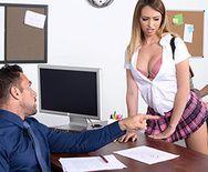 Смотреть секс препода с сексуальной молодой сиськатой блондинкой - 1