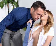 Смотреть секс препода с сексуальной молодой сиськатой блондинкой - 2