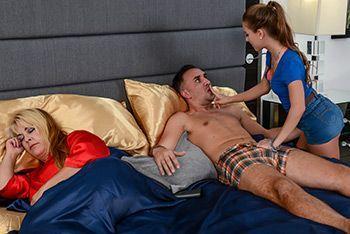 Жесткий секс молоденькой брюнетки с отцом на кровати