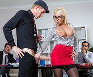 Смотреть трах в пизду с красивой секретаршей с большими сиськами - 2