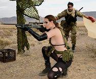 Порно пародия Metal Gear Solid 5 с анальной еблей - 1