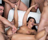 Жесткий групповой секс горячей брюнетки с партнерами - 3