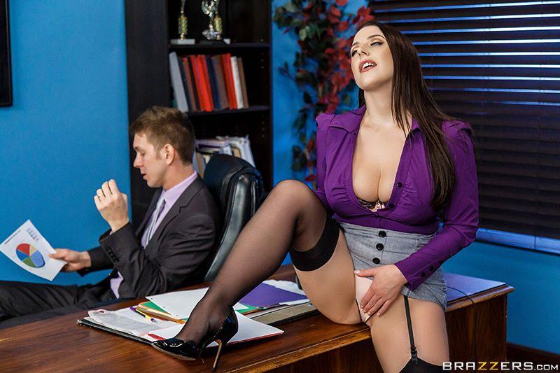 Секс с опетитной секретаршей