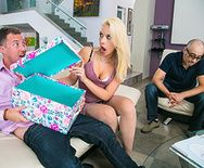 Жесткий секс с ненасытной пышногрудой блондинкой - 1