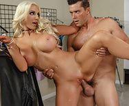Порно с блондинкой с большими сиськами - 5