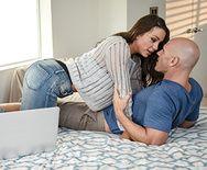 Страстный секс с пышногрудой подружкой - 1