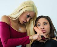 Страстное лесбийское порно двух молоденьких сексуальных подружек - 2