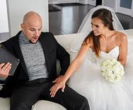 Порно красивой татуированной невесты с другом жениха - 1