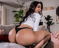 Анальное порно с аппетитной горячей латинской сукой - 4