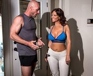 Секс грудастой мамки со спортивным тренером - 1