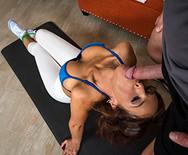 Секс грудастой мамки со спортивным тренером - 3