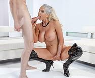 Жесткий трах пышной сексуальной блондинки с молодым ебарем - 5