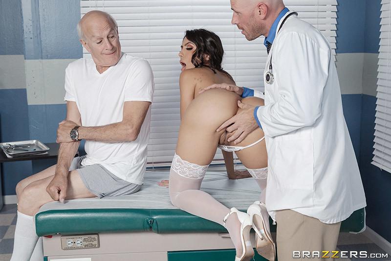 Смотреть Порно С Жопастой Медсестрой