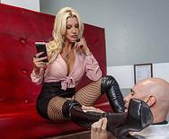 Смотреть секс роскошной сисястой блонжинки с накаченным парнем - 1