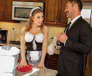 Жесткое порно сексуальной аппетитной домработницы с самцом в спальне - 1