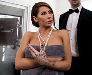 Порно измена роскошной грудастой дамочки с дворецким - 2