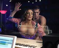 Порно с горячей сексуальной красоткой в студии - 3