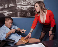 Страстное порно с шикарной грудастой сукой в офисе - 3