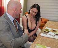 Секс аппетитной красивой дамочки в чулках с мускулистым самцом - 2