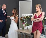 Секс измена жениха с симпатичной молоденькой подружкой невесты - 1