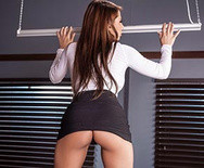 Порно шикарной секретарши с боссом в офисе - 2