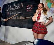 Анальное порно с пошлой школьницей в униформе - 2