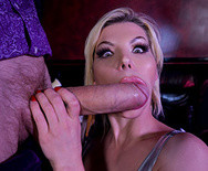Секс в клубе с горячей длинноногой блондинкой - 3
