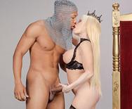 Межрассовый анальный секс с грудастой горячей телкой в чулках - 3