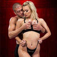 Трах в пизду с сексуальной блондинкой после йоги