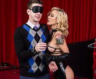 Горячий анальный секс с роскошной опытной проституткой - 2