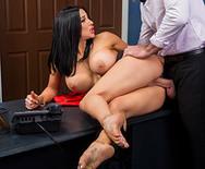 Жесткий секс босса с нового сексуальной секретаршей - 3