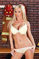Страстный секс со стройной сексуальной блондинкой с большими сиськами #1