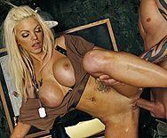 Нежный секс с пленной красивой молодой блондинкой - 3