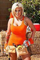 Горячее порно строителя с сексуальной блондинкой с большими сиськами #3