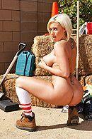 Горячее порно строителя с сексуальной блондинкой с большими сиськами #4