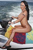 Красивый трах грудастой брюнетки на яхте #4