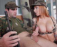 Смотреть порно солдата с красивой рыженькой сучкой - 2