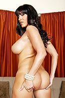 Смотреть секс в пизду с зрелой жгучей брюнеточкой с огромными сиськами #4