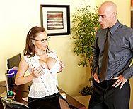 Секс босса со зрелой пышногрудой секретаршей - 1