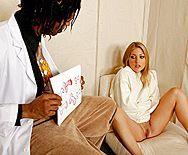 Межрасовый секс с сексуальной блондинкой в больнице - 1