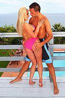 Смотреть анальный секс на свежем воздухе с грудастой блондинкой #5
