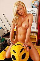 Смотреть красивый секс с сисястой блондинкой в школе #3
