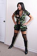 Смотреть порно солдата с сексуальной брюнеткой с большими сиськами #4