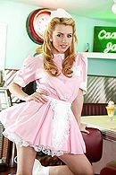 Классический секс с молодой блондинкой в кафе #1