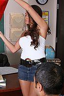 Красивый секс учителя с темноволосой школьницей с большими сиськами #5