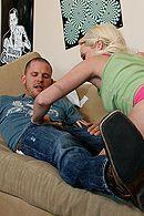 Похотливая блондинка громко стонет от страстного вагинального секса #5