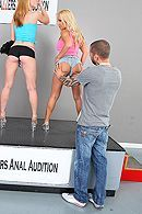Жесткий секс красивой блондинки с обвисшими сиськами #5
