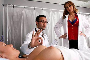 Смотреть красивый секс врача с грудастой медсестрой в больнице